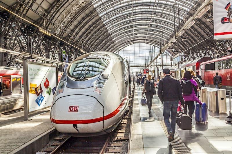 Reisekostenabrechnung: Mit dem Zug fahren - ist die Abrechnung der Reisekosten möglich?