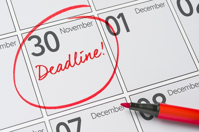 Eine Deadline auf einem Kalender
